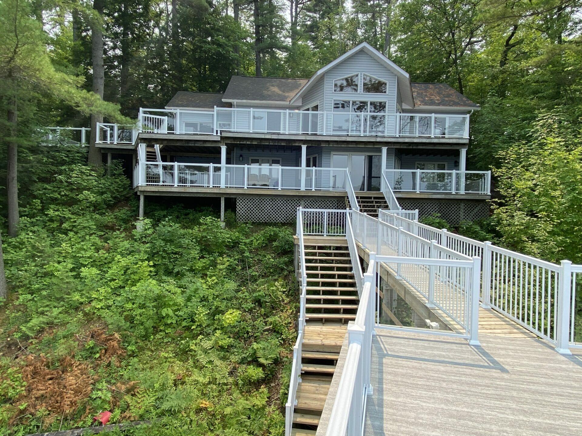 Lake Muskoka Waterfront Cottage Fully Furnished